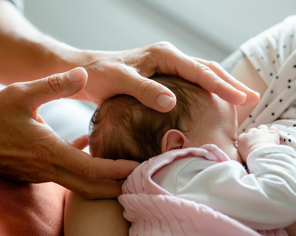 Birte Schwartzkopff | Heilpraktikerin und Physiotherapeutin | Osteopathie Baby | Osteopathie rund ums Kind | Therapieangebot